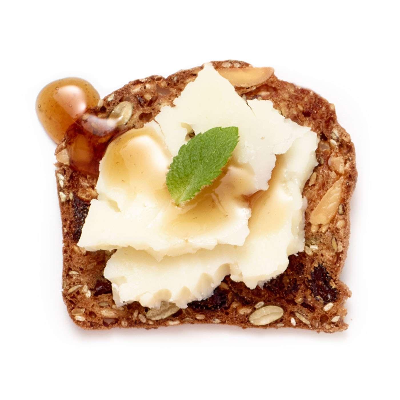 lesley stowe raincoast crisps® Salty Date and Almond